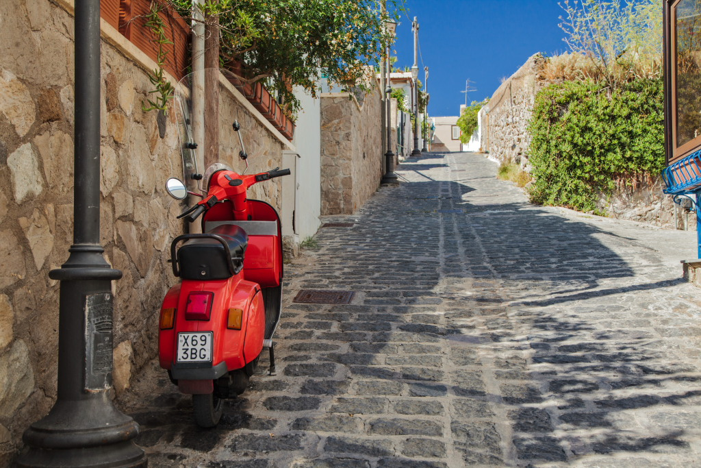 la tua proposta di nozze in vespa marry me in sicily